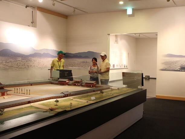 発掘のジオラマ模型