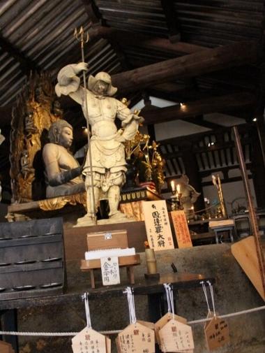 日本最古で最大の十二神将躍動感にあふれた勇姿が圧巻