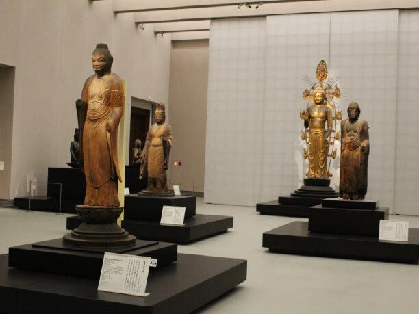 美しい仏像