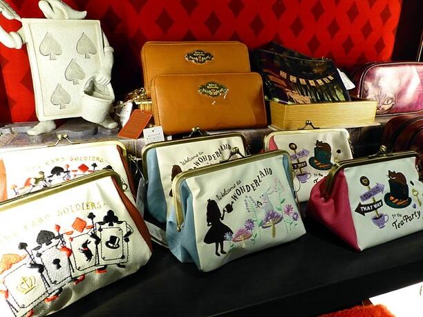 鞄やポーチ類