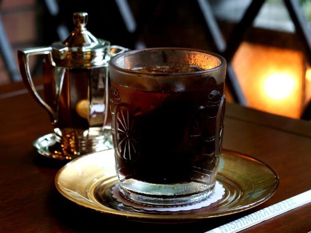 すっきりとした苦味のアイスコーヒー