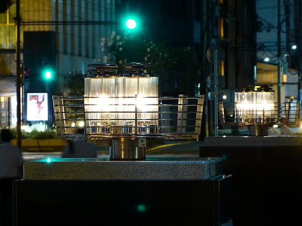 街並みの雰囲気にマッチするガス灯