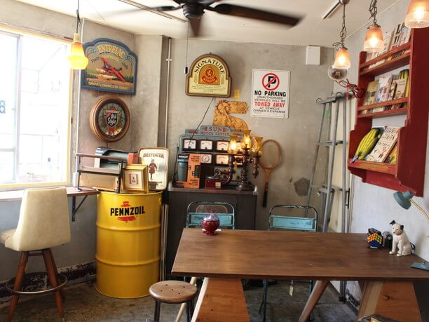 「stand matinee」店内