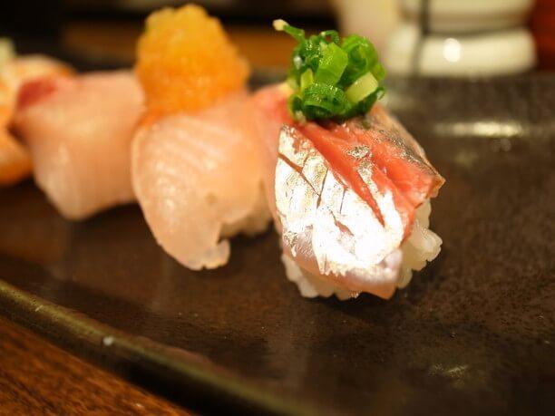 カラフルで小粒な宝石のようなお寿司