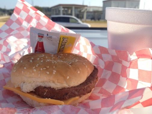 基地のハンバーガー