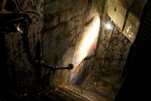 入り口への階段