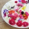 彩られた花
