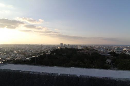 西のアザナからの那覇新都心方面