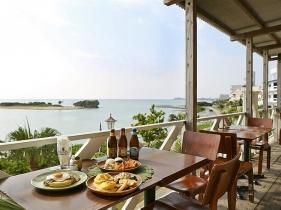 エッグベネディクトが楽しめる海カフェ