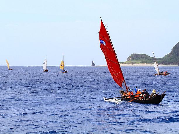 サバニ(古くより琉球列島の海人の小型漁船)