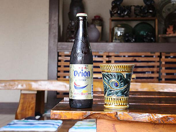仏間で飲むオリオンビール