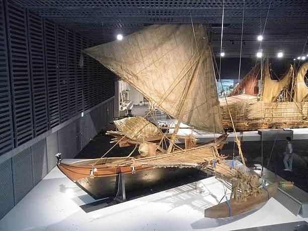 タヒチ型のダブルカヌー