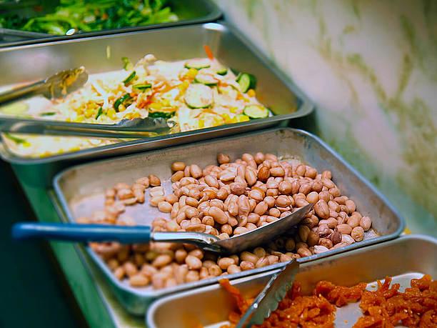 金壺食堂の色とりどりのお惣菜