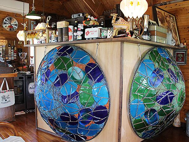 巨大な琉球ガラスのシェード