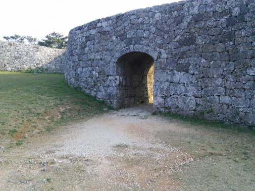 城門のアーチ