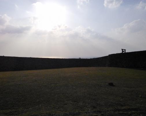 城と晴れた空
