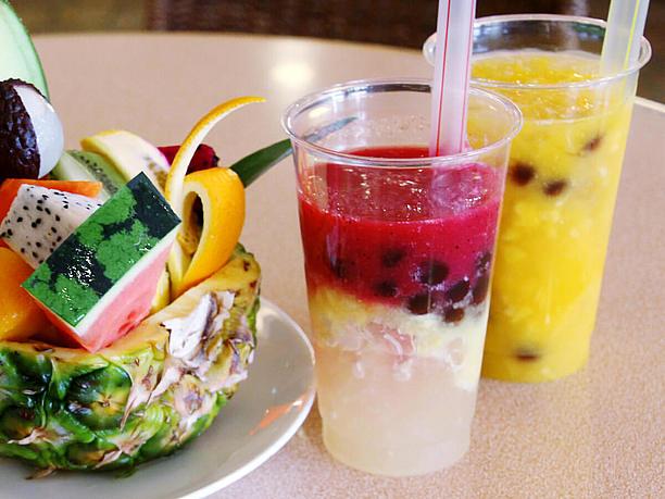 タピオカ入りマンゴージュースとトロピカルミックスジュース(620円)