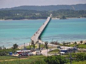 古宇利島にかかる古宇利大橋