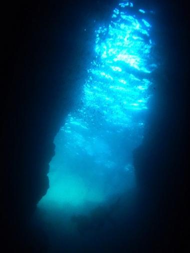 幻想的な青の光線