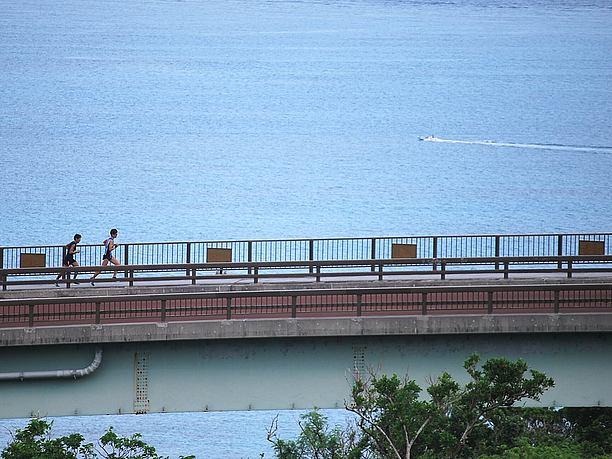 ニライカナイ橋、絶景ポイント
