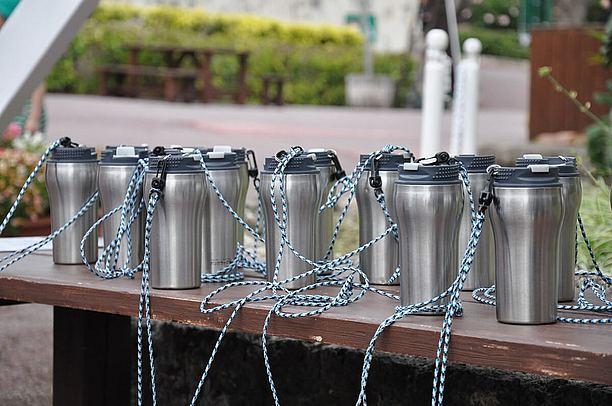 水筒と水を無料で用意される