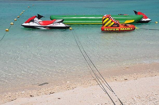 バナナボート、ジェットスキー、パラセール、Uボートなどマリンスポーツも充実