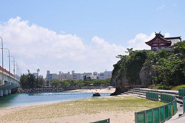琉球沖縄八社のひとつ波之上宮