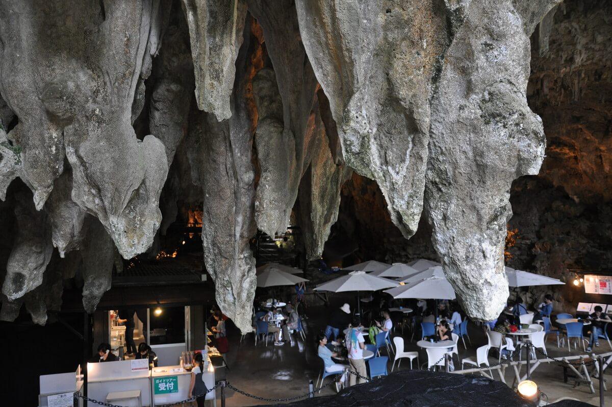 谷ツアーの入り口にもなっているケーブカフェ