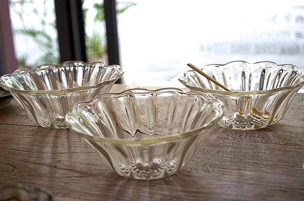 懐かしくて温かいクラシカルなガラス作品