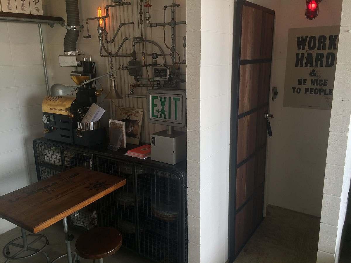 無機質で、シンプルで、ノームコアな洒落たコーヒー雑貨や家具