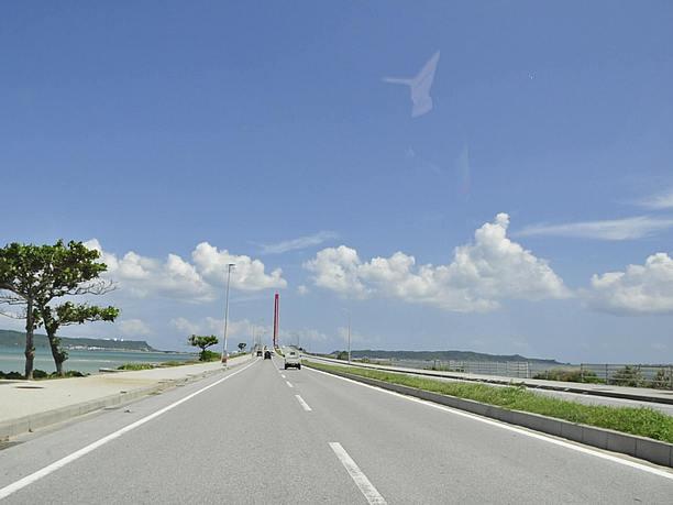陸路をつなぐ海中道路