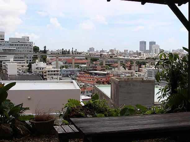 昔ながらの沖縄の町並みが残る首里