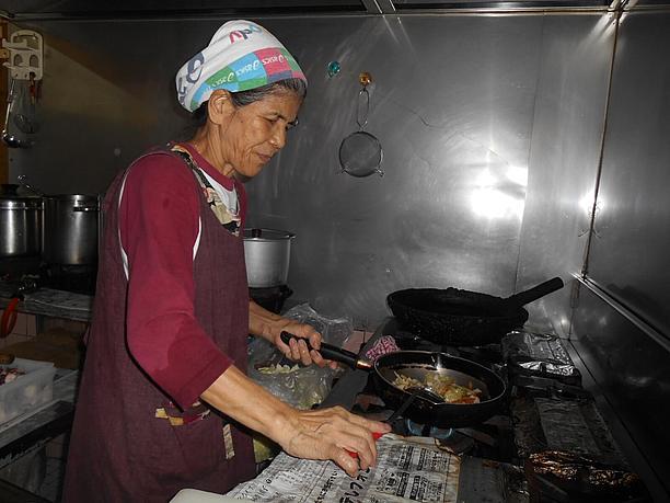 狩俣初子さん、62歳。すむばり食堂の女将