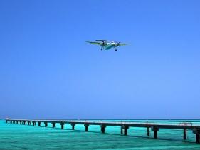 パイロット訓練が間近で見れるスポット