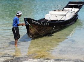 漁業が盛んな海に囲まれた島