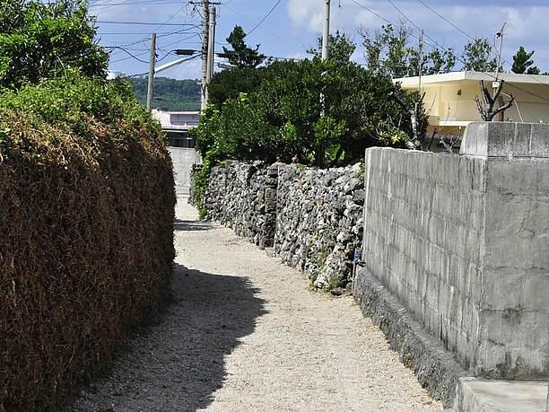 砂の敷き詰めた道