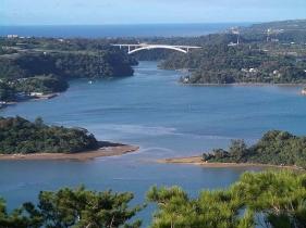 ワルミ大橋と屋我地島