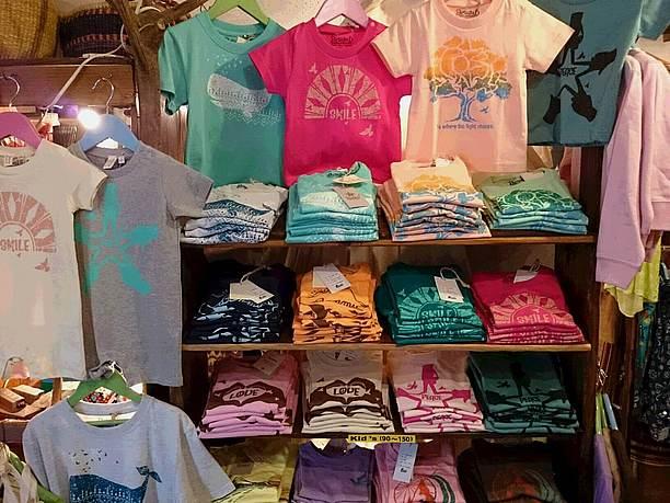 島でも人気のあるTシャツ