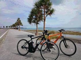 黄色と黒の自転車