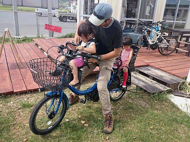 チャイルドシート付の電動アシスト自転車