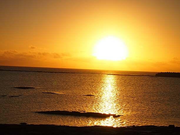 色鮮やかに変わっていく久米島の空