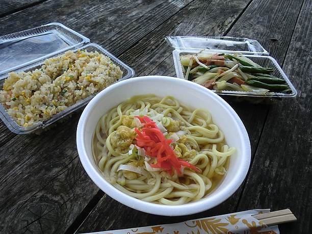 100円そばとお惣菜