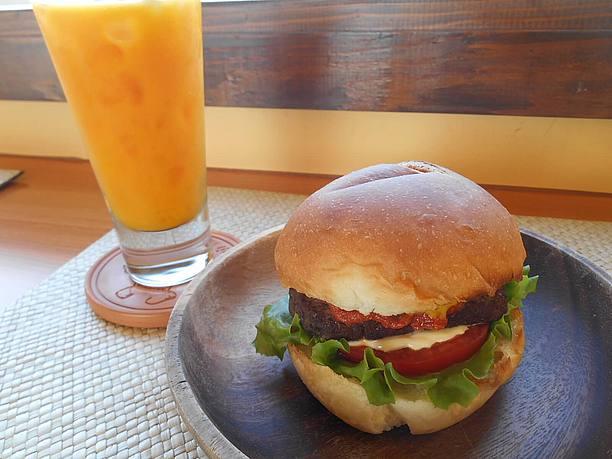 宮古牛のハンバーガー