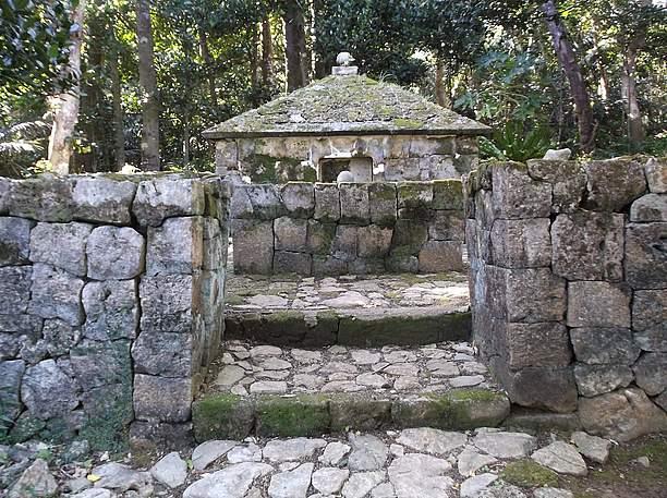 つひとつの石がとても綺麗なお墓