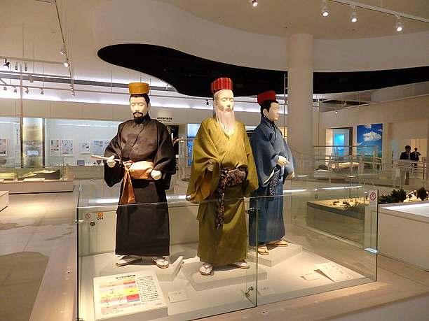 琉球衣裳の展示