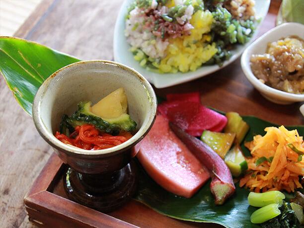 玄米ご飯や野菜達