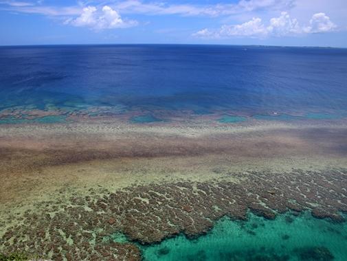 伊良部島の海
