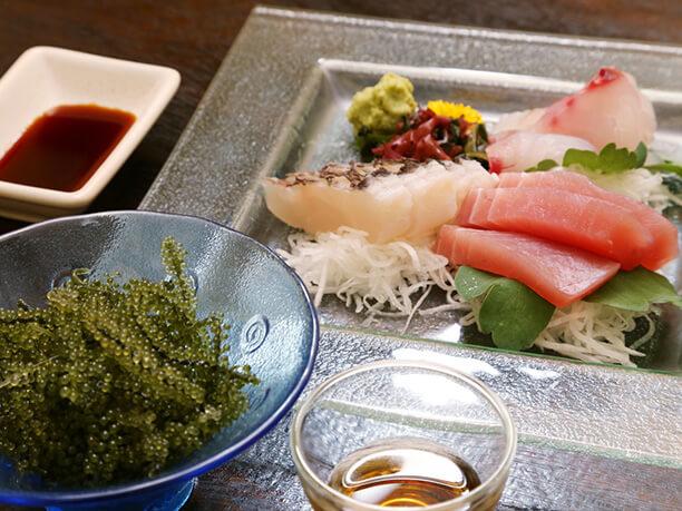 県産活魚の刺身三点盛り合わせ