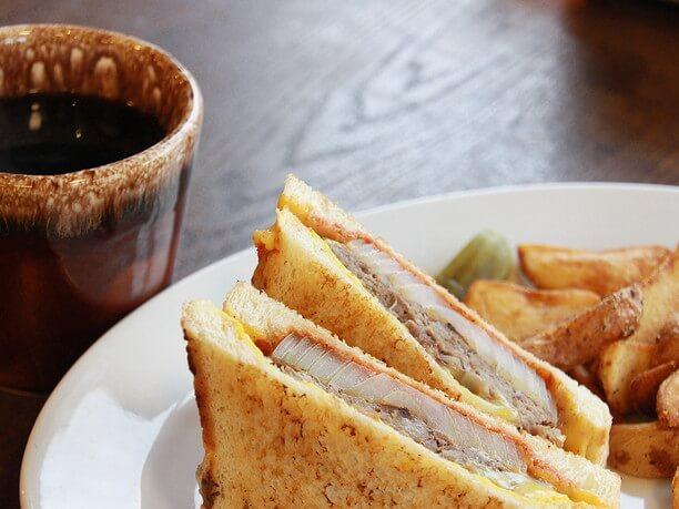 自家製パンを使ったサンドイッチ