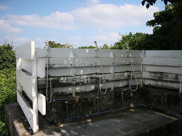 湧き水を利用したシャワー